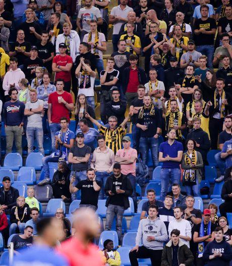 Agenten mishandeld na duel Vitesse, drie fans PEC opgepakt