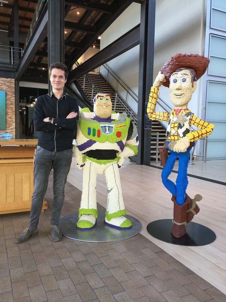 Tuur Stuyck in het atrium van Pixar Animation Studios. Beeld RV