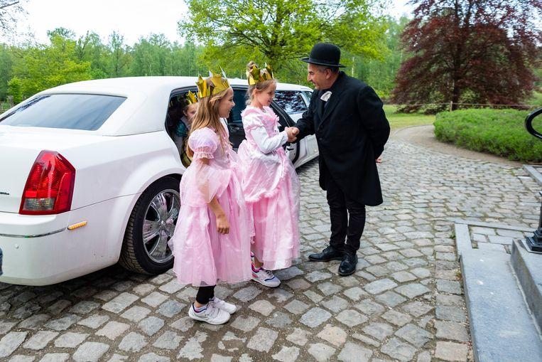 De kasteelheer ontving de kinderen