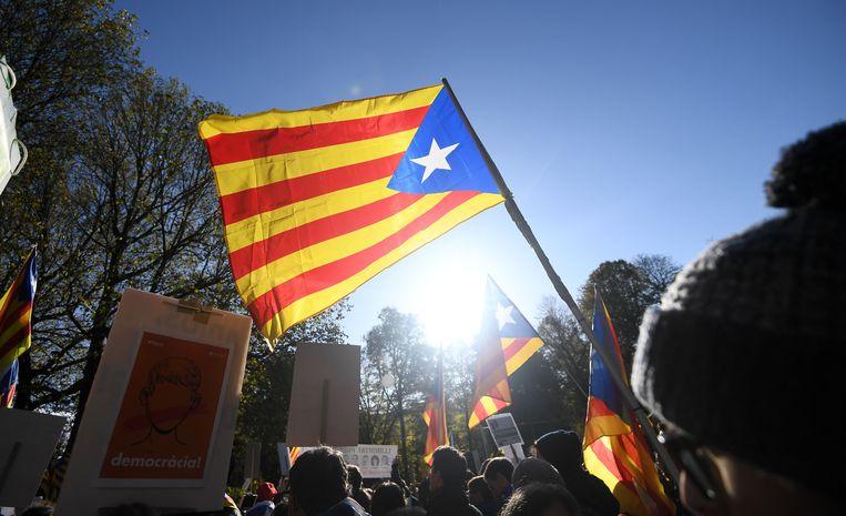 Catalaanse betogers in Brussel, tijdens de kleinere optocht op 12 november. Beeld AFP