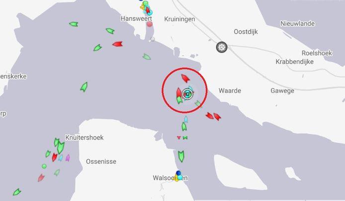 Locatie van het vastgelopen schip, iets voorbij Waarde.