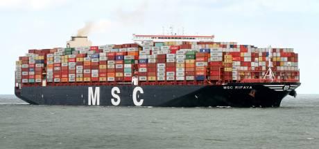 Eerste schip achter vastgelopen Ever Given komt vanavond aan in Rotterdamse haven