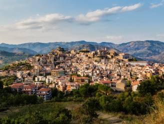 Weer een Italiaans dorpje dat huizen verkoopt voor 1 euro