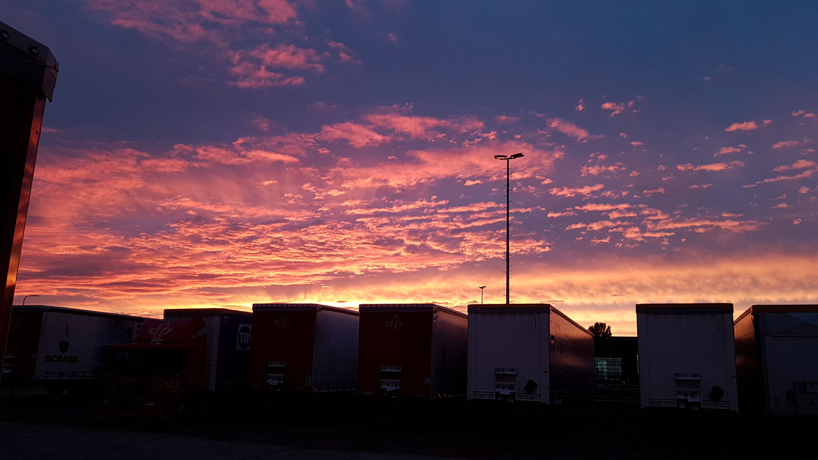 Zonsondergang boven Zwolle
