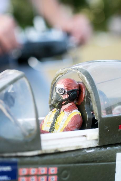 Politie zoekt naar 'neergestort vliegtuig' nabij Vlierden