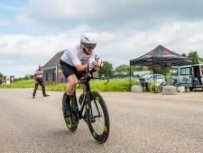Jeroen fietst in een etmaal 708 (!) kilometer door Zwijndrecht: 'Zwaar gehad tussen drie en zes 's nachts'