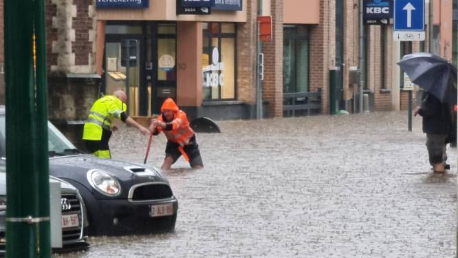 """Opmerkelijke oproep na wateroverlast: """"Zorg er zelf voor dat niet alle water naar riolering stroomt"""""""