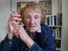 98-jarige Marga Minco krijgt P.C. Hooftprijs thuis uitgereikt