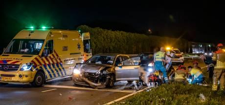 Vijf gewonden bij ongeluk Burgemeester Letschertweg in Tilburg, traumahelikopter landt