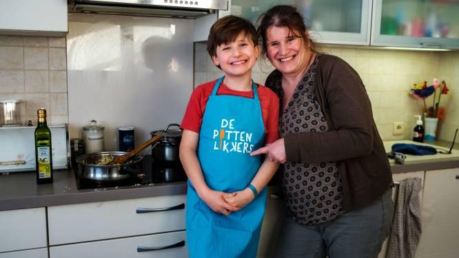 """'Onhandige' Matteo (9) schittert als jonge kok op Studio 100 TV: """"En toch wil ik liever leerkracht worden"""""""