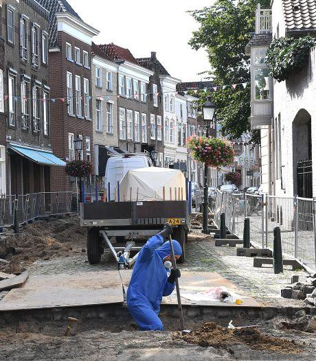 Maasstraat Grave: Twee weken terug nog gezellig een wijntje, nu asbest gevonden