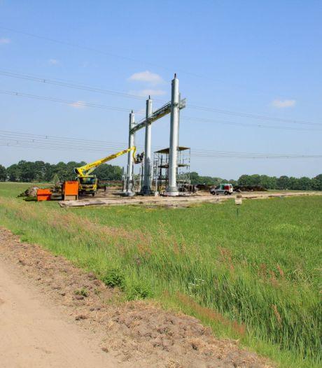 Bij het onder de grond brengen van hoogspanningslijnen in Breda-Noord zijn opstijgportalen 'onvermijdelijk'