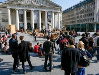"""Bezetters moeten Brusselse Muntschouwburg (wellicht) verlaten: """"We mochten enkel onder toezicht naar het toilet"""""""