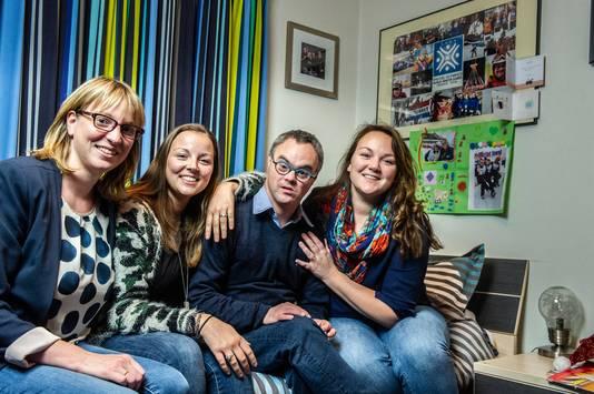 Joost met zijn zussen. Vlnr Fraukje, Liza, Joost, Charlotte.