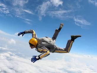 Skydiver springt de dood in nadat hij zijn vrouw in een filmpje waarschuwt dat hij zijn parachute niet zal openen