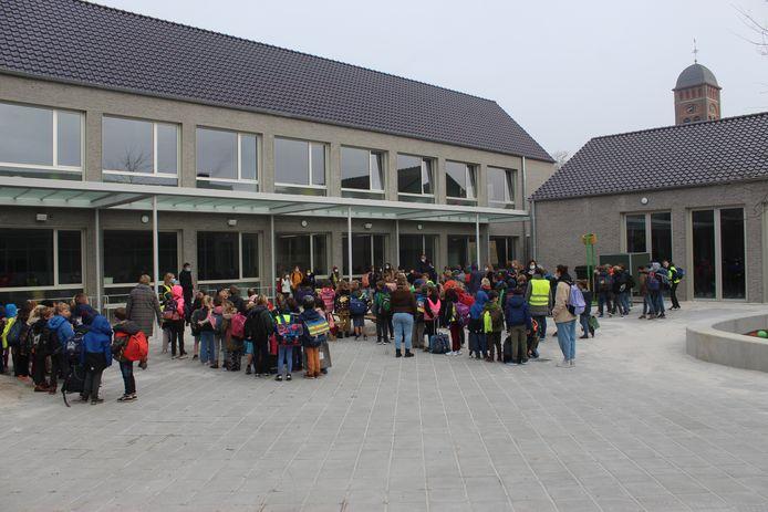 Een zicht op de nieuwe school van Vinderhoute.