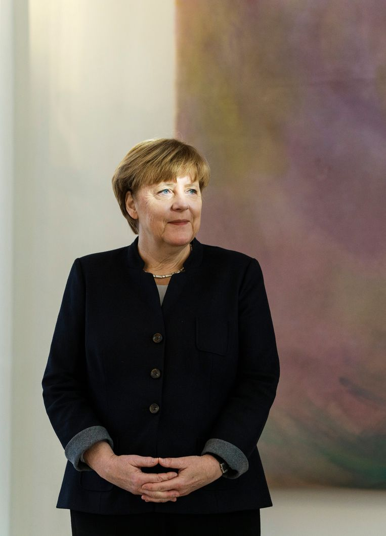 Studenten gaan tijdens de uitzending op 5 mei met bondskanselier Merkel en minister-president Rutte in gesprek over vrijheid. Beeld Photothek via Getty Images