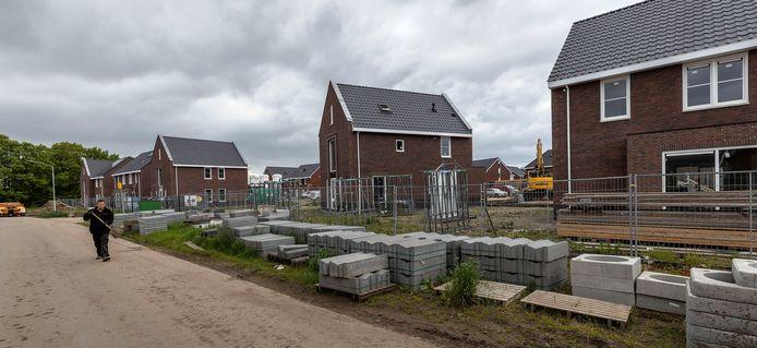 Woningen in aanbouw in de gemeente Eersel. De gemeente heeft zo'n vijf hectare grond gekocht om het dorp Eersel verder te kunnen uitbreiden.