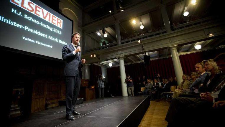 Mark Rutte op het podium tijdens zijn lezing Beeld anp