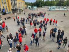 200 ABVV-betogers verzamelen op het Stationsplein in Brugge