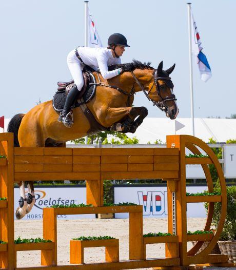 Springamazone Kim Emmen beleeft op Indoor Brabant vuurdoop met nieuw paard Jack van het Dennehof