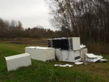 Boswachter stuit op zes gedumpte koelkasten in Weerribben: 'telkens als de donkere dagen beginnen'