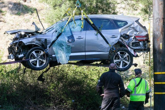 Van de auto van Tiger Woods was na het ongeluk weinig meer over.