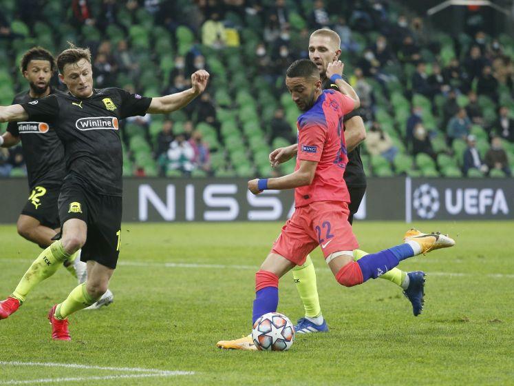 Ziyech bekroont basisdebuut Chelsea met schitterende goal