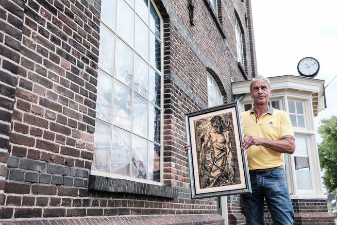 Ulftenaar Hennie Berendsen is op zoek naar een topwerk, die kunstenaar Jan Toorop precies 100 jaar geleden heeft gemaakt van een DRU-arbeider. Foto: Jan Ruland van den Brink