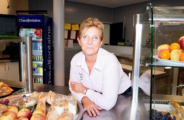Nicole Waalwijk (53): 'Vooral meiden zijn praatgraag. Ze vertellen me van alles.' Beeld Marjolein van Damme