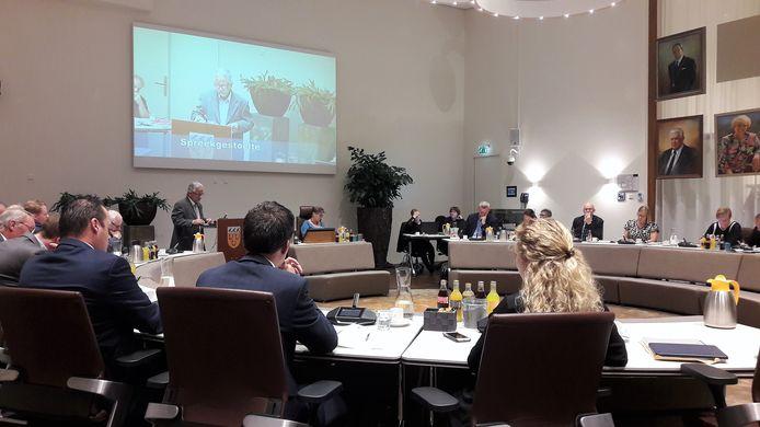 Peter Flohr aan het woord tijdens het begrotingsdebat vorig jaar november.