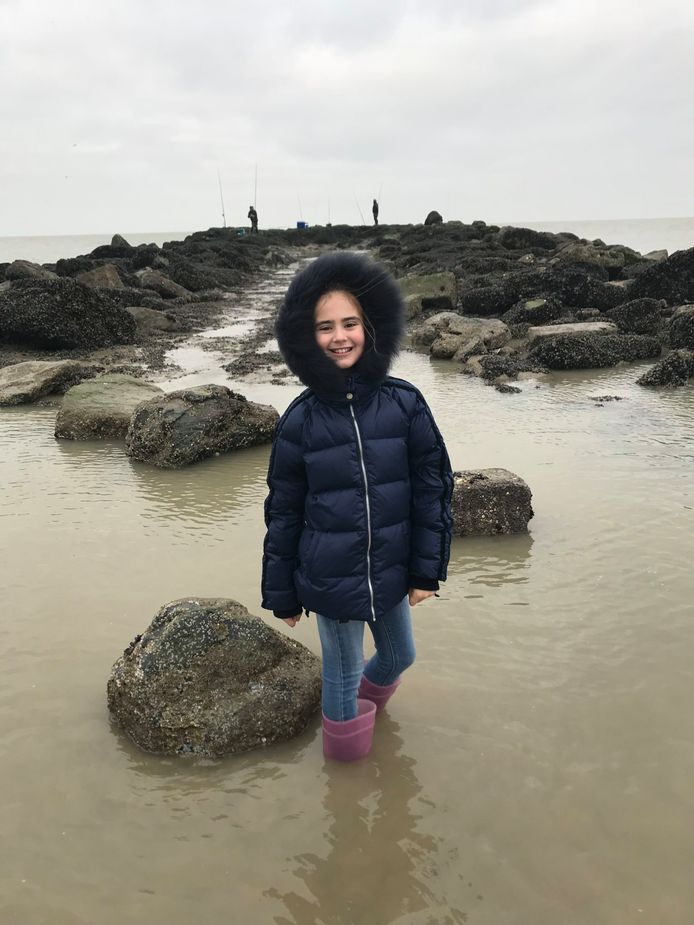 Cloë aan de kust.