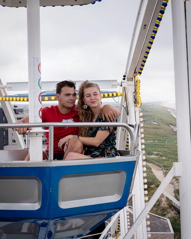 Louis en zijn vriendin Antoinette, 2020, Egmond.  Beeld Tara Fallaux