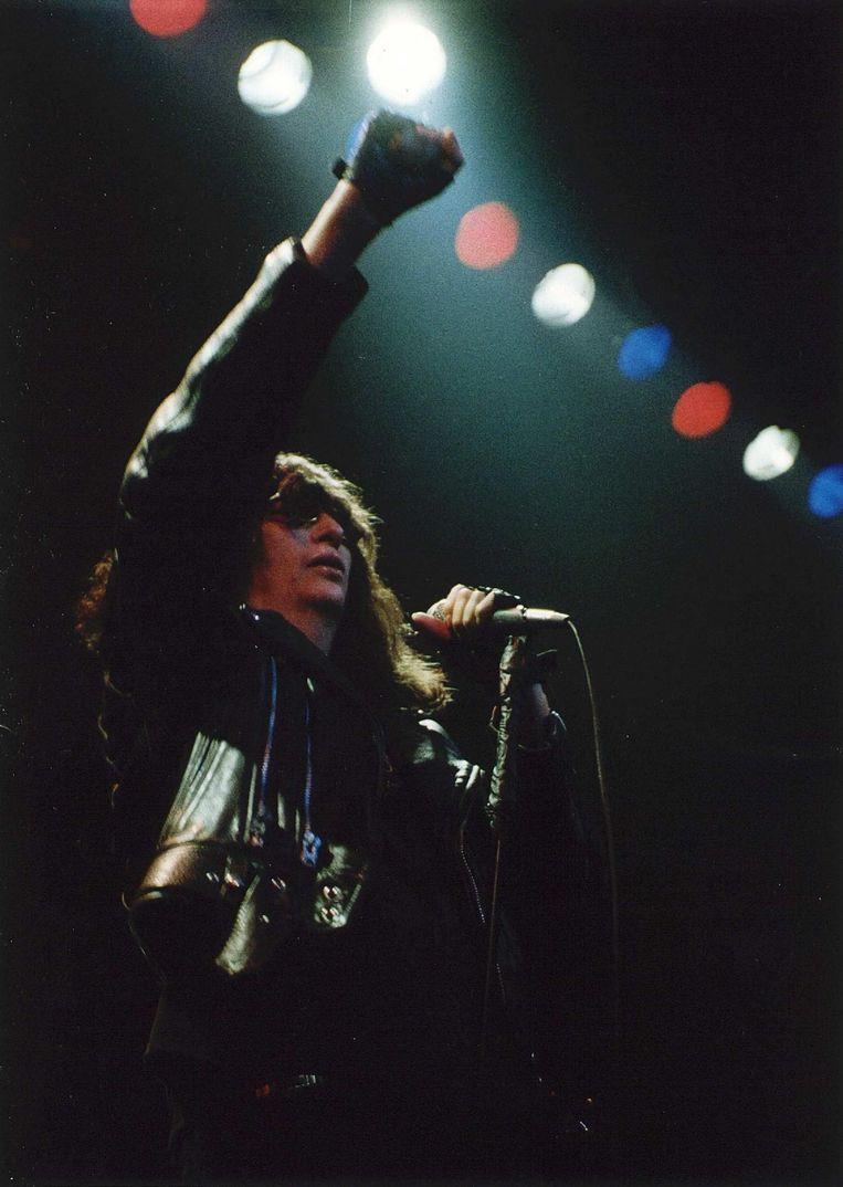Joey Ramone, in 1996 in Paradiso. Beeld anp