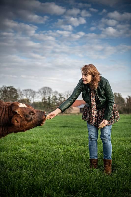 Irene van der Aart komt oorspronkelijk uit Amsterdam en woont al 17 jaar op het Achterhoekse platteland.