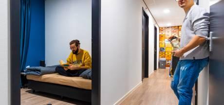Elke arbeidsmigrant zijn eigen slaapkamer? 'Bestaande vergunning blijft geldig'