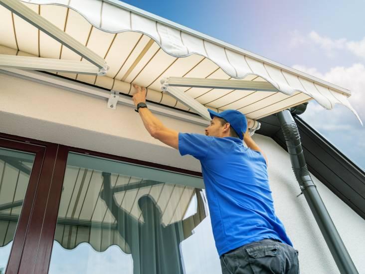Welke zonwering houdt de meeste warmte tegen (en past het best bij jouw huis)?