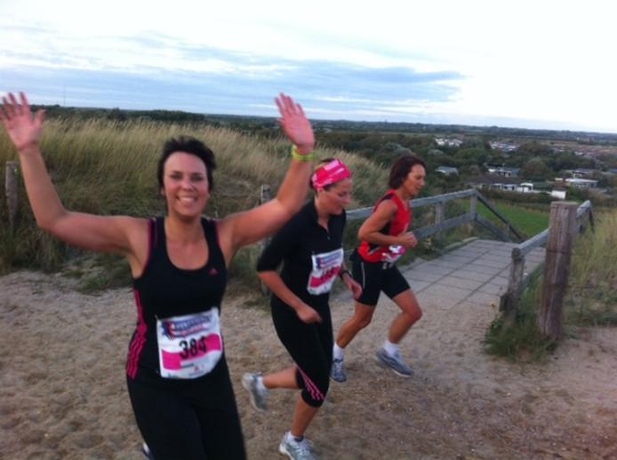Enthousiaste deelnemers tijdens de Ladiesrun.