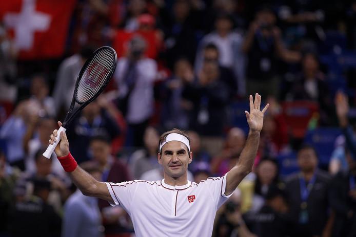 Pour la dixième fois en onze confrontations, Roger Federer s'est imposé face à David Goffin. Il file vers les quarts de finale à Shanghai grâce à son succès en deux sets (7-6, 6-4).