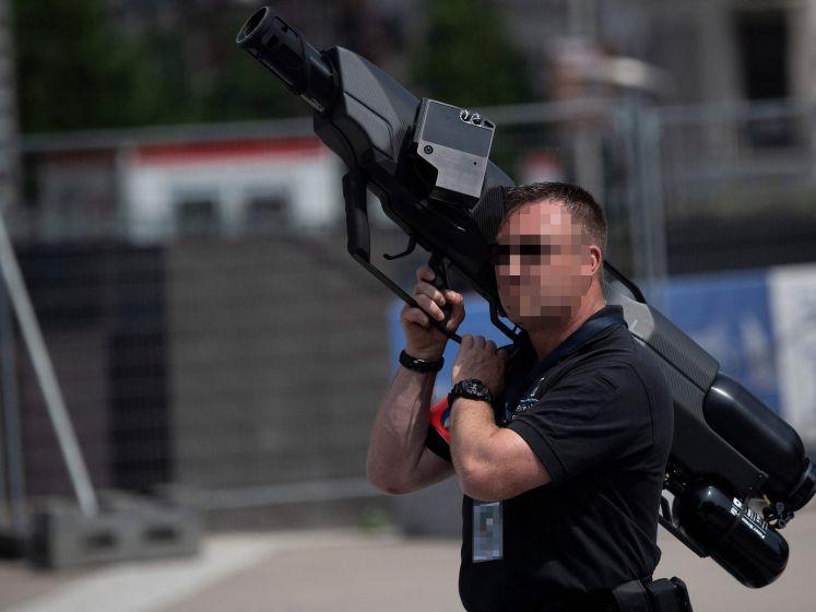 Brusselse politie pakt tijdens NAVO-top uit met anti-dronewapen: zo werkt het