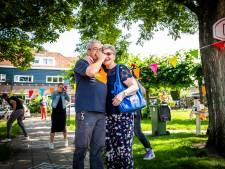 Vrolijke pakketjesman Ruud krijgt groots afscheid:  'Om mensen zoals jij gaat het in de samenleving'