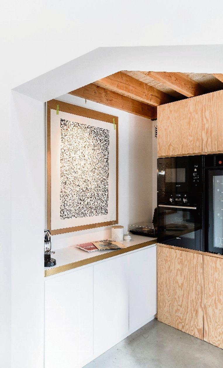 De bijkeuken is praktisch en wordt meer gebruikt dan het keukenmeubel zelf.