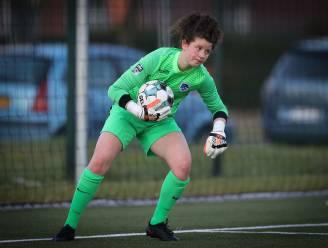 """18-jarige Maren van Wijngaarden: """"Blij met de kansen die ik als jonge goalie bij KRC Genk Ladies krijg"""""""
