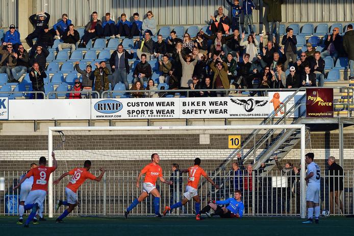 De 2-0 van Jeroen Molenaar van RBC in beeld.