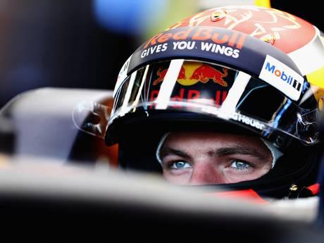 Verstappen het snelste in eerste training, harde crash voor Perez