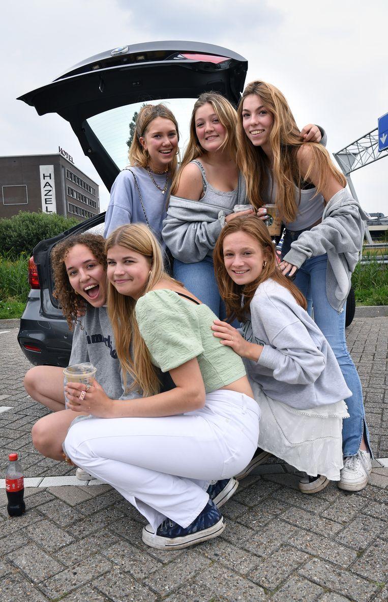Mijs, Bo, Jet, Noah, Annetje en Fenne. Beeld Marcel van den Bergh / de Volkskrant