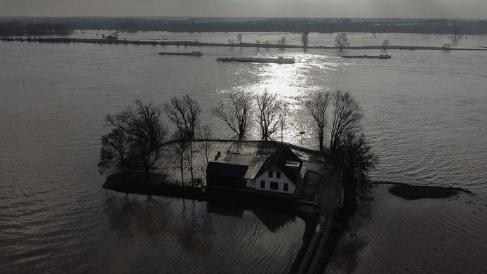 Hoogwater in de Waal bij Dodewaard, nog geen drie weken geleden