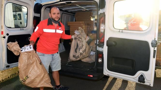 """Leuvense postbode Benjamin (32) stelt klanten gerust: """"Onze Bpost-familie begint dagelijks met de mindset: alle pakjes moeten weg"""""""