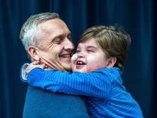 Waarom Johan Derksen door het stof ging voor Danny en zijn zieke zoon Axel (10): 'Deze fout wil ik graag rechtzetten'
