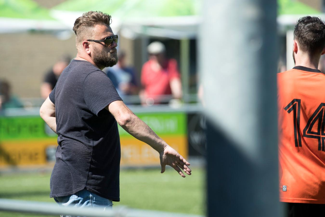 Fabian Krebbers is trainer bij tweedeklasser Union sinds de zomer van 2019, maar maakte nog geen volledig seizoen mee.